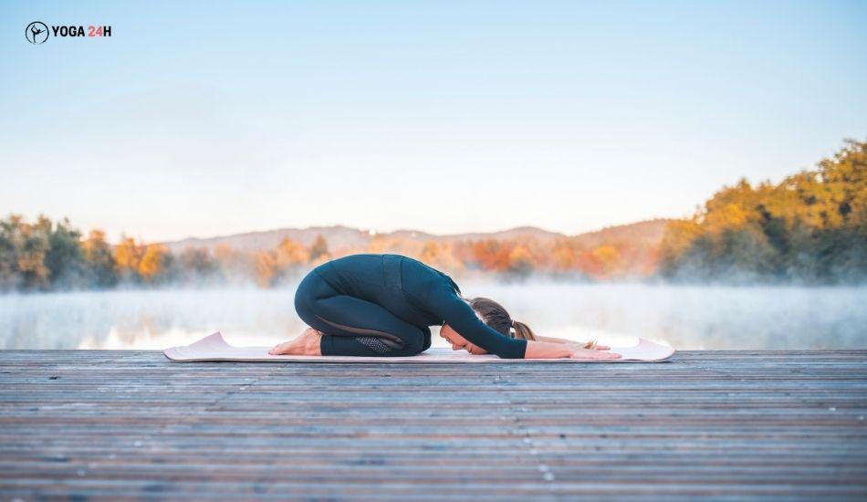 Yoga Buổi sáng tư thế em bé