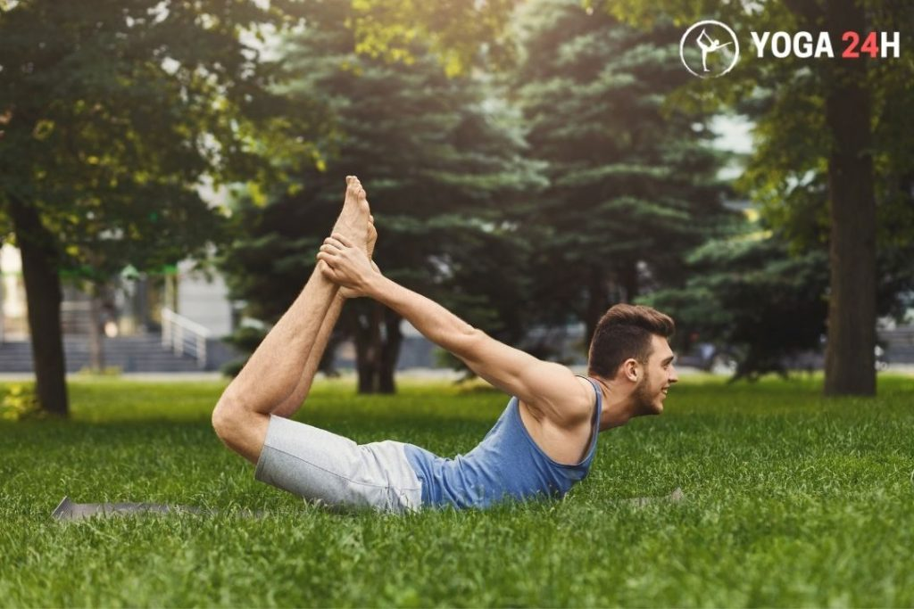 Tư thế cánh cung yoga nam