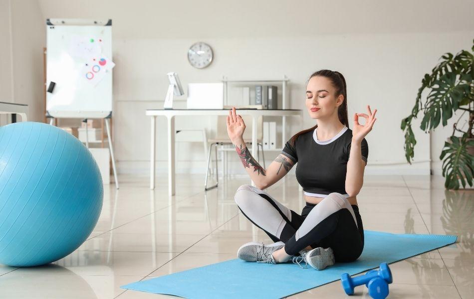 áp dụng yoga chữa rối loạn tiền đình